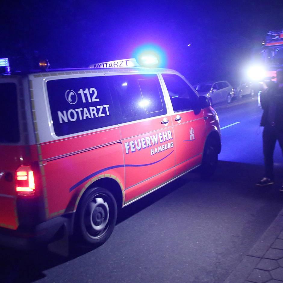Nachrichten aus Deutschland: Junge fällt in Rückhaltebecken - Vater will ihn retten und erleidet Herz-Atem-Stillstand