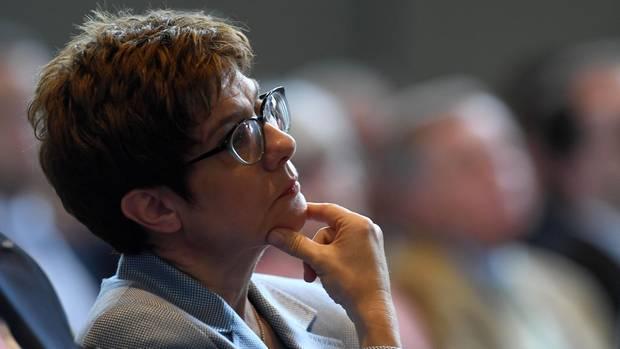 Ralph Brinkhaus hat sich für CDU-Chefin Annegret Kramp-Karrenbauer als nächste Kanzlerkandidatin der Union ausgesprochen