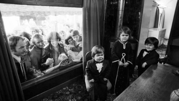 """Aus der Reportage""""Die drei kleinsten Menschen der Welt"""" 1977"""