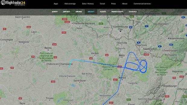 Die Boeing 737 MAX 8 von Norwegian mit der Kennung SE-RTB dreht Warteschleifen im Nordwesten Frankreichs und landet späterauf dem Flughafen Châlons Vatry