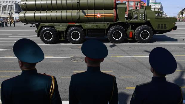 Russland verkauft die S-400 in mehrere Länder, stets zum Missfallen der USA, doch im Falle der Türkei reagiert Washington besonders empfindlich.