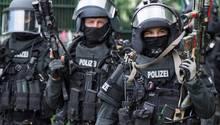 SEK-Beamte in ihrer Ausrüstung