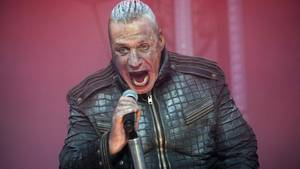 Till Lindemann 2017 bei einem Rammstein-Konzert