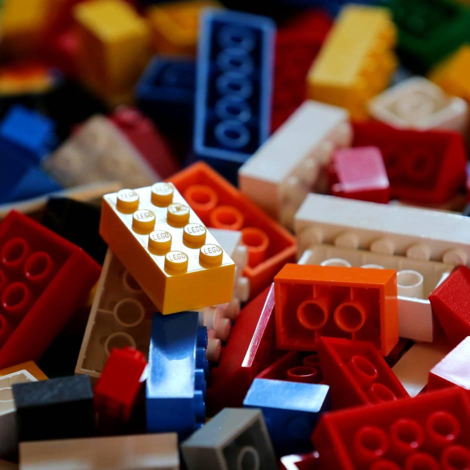 Auf der Suche nach neuem Plastik: Warum sich Lego mit McDonald's, Coca-Cola, Nestlé und Procter & Gamble verbündet