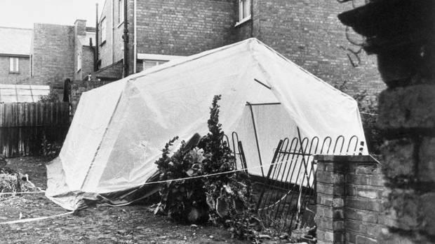 Ein Zelt beim Tatort in Worcester