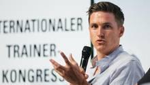 Tobias Schweinsteiger beim Internationalen Trainer-Kongresses vom Bund Deutscher Fußball-Lehrer in Dresden