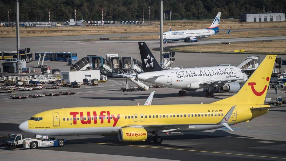 Ferienflieger am Flughafen Frankfurt