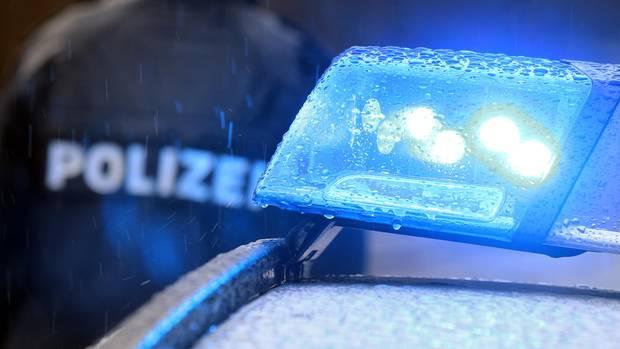 nachrichten aus deutschland streifenwagen mit blaulicht