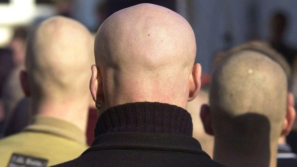 Drei Skinheads nehmen in Hagen an einem Neonazi-Aufmarsch teil