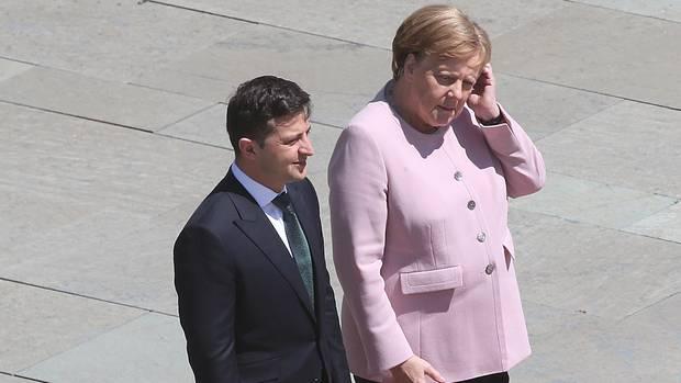 Bundeskanzlerin Angela Merkel zusammen mit Wolodymyr Selensky