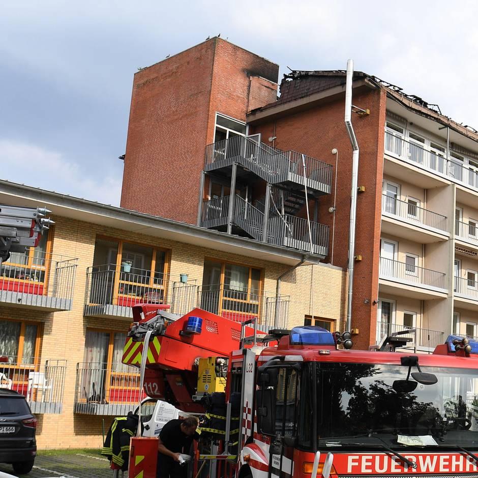 Nachrichten aus Deutschland: 21 Menschen bei Großbrand in Bremer Pflegeheim verletzt