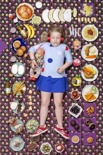 Greta Möller, Hamburg, Deutschland, 7 Jahre alt  Greta lebt mit ihrer Mutter und ihrer jüngeren Schwester in Hamburg und verbringt auch ziemlich viel Zeit mit ihren Großeltern. Ihr Lieblingsessen sind Fischstäbchen mit Kartoffelpüree und Apfelmus. Sie mag keinen Milchreis.