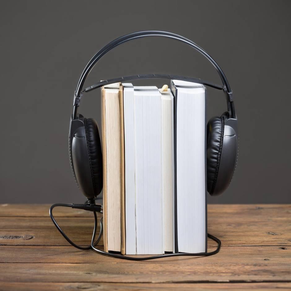Ohrenschmaus: Diese fünf Hörbuch-Bestseller bleiben im Kopf
