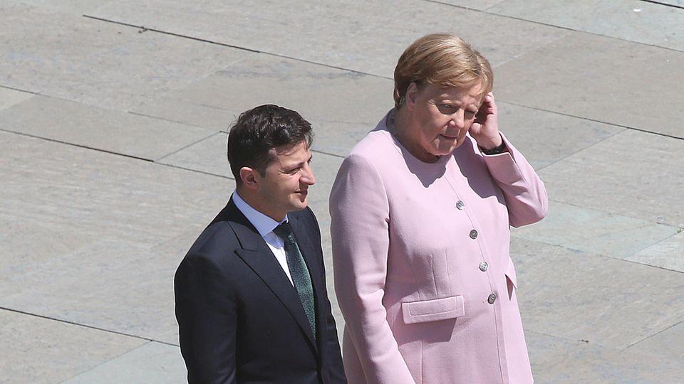 Angela Merkel zusammen mit dem ukrainischen Präsidenten Wolodymyr Selensky
