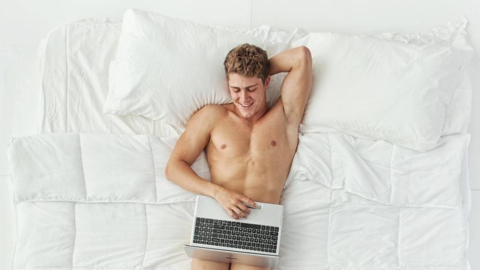 Du bist auf der Suche nach neuen Erfahrungen? Hier kommen sechs Sexspielzeuge für Männer (Symbolbild)