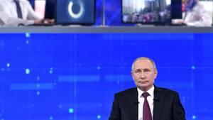 Wladimir Putin in der Live-Fernsehsendung