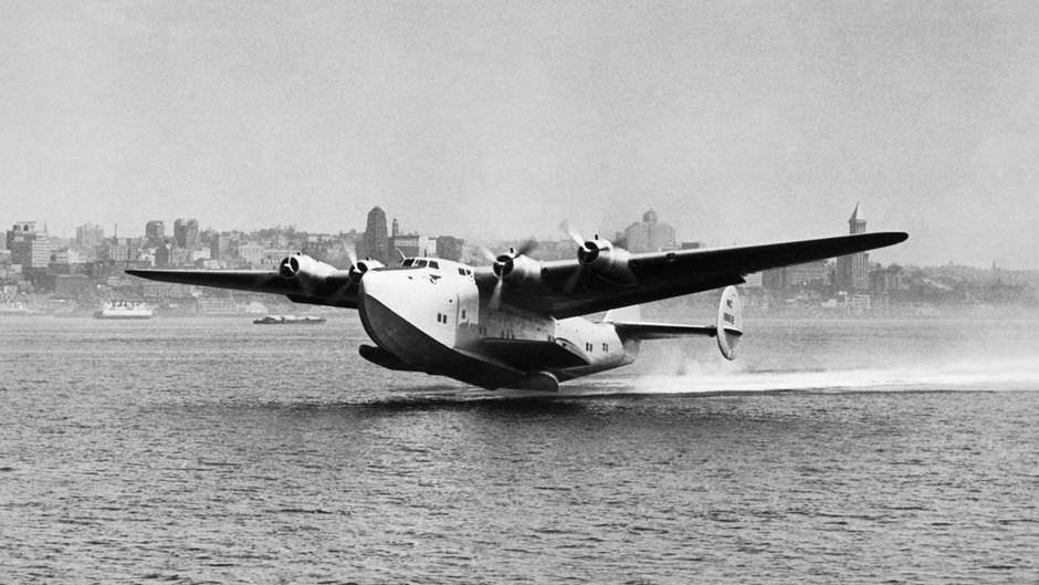 Die Boeing 314 hebt ab:Am 28. Juni 1939 startete erstmals ein Flugboot derPan American Airways System zur Reise über den Atlantik