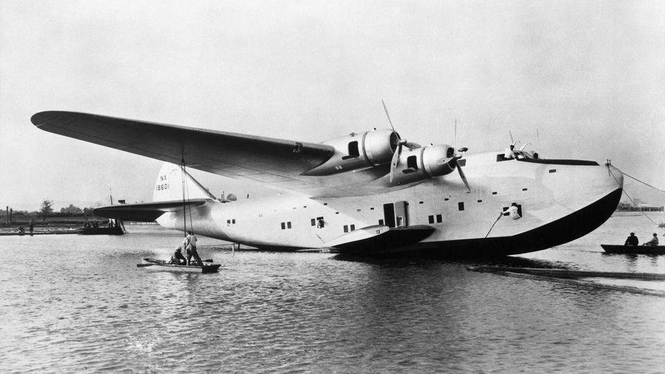 Die Boeing 314 war ein viermotoriges Flugboot mit großer Reichweite und erreichte eine Höchstgeschwindigkeit von 320 km/h