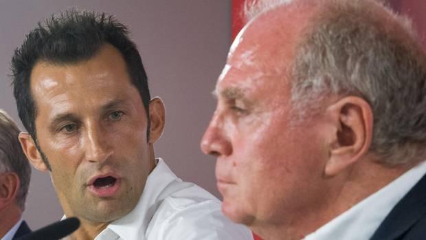 """Uli Hoeneß hat Transfercoups angekündigt, Sportdirektor Hasan Salihamidzic soll """"richtig loslegen"""", passiert ist seither wenig."""