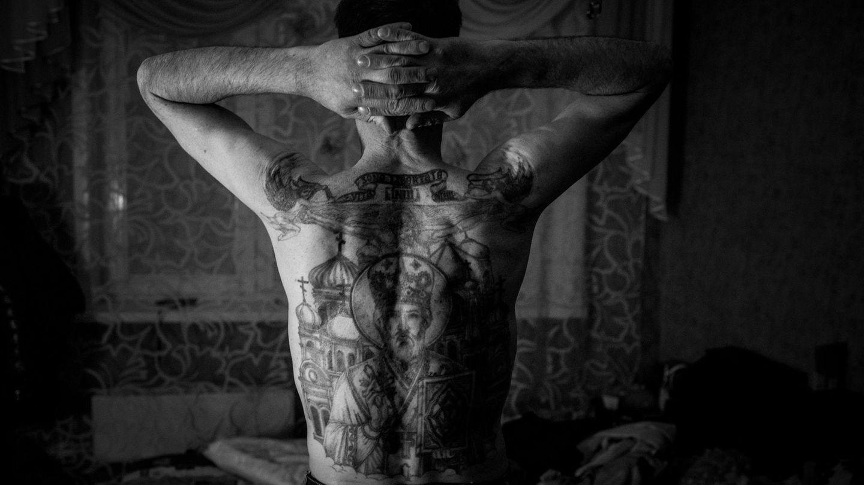 Igor war früher Mitglied eines Clans, die Tattoos ließ er sich im Knast stechen. Mehrals zwölf Jahrehat er insgesamtschon für Raubund Drogenbesitz gesessen.