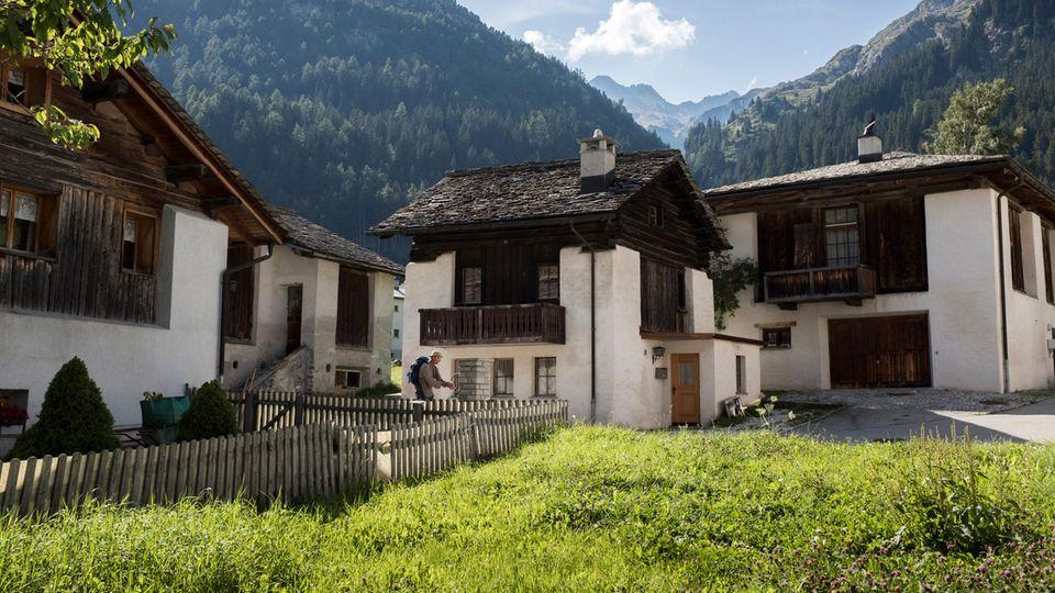 Bergauf, bergab: Das Dorf Casaccia wurde einst durch den Grenzverkehr reich