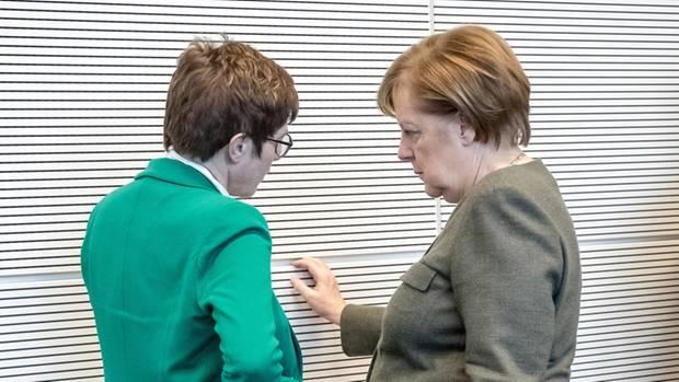 Annegret Kramp-Karrenbauer und Angela Merkel im März 2019