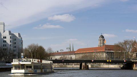 Die Jannowitzbrücke in Berlin
