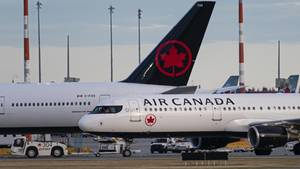 Kanada: Frau wird von Bordpersonal in Flugzeug vergessen