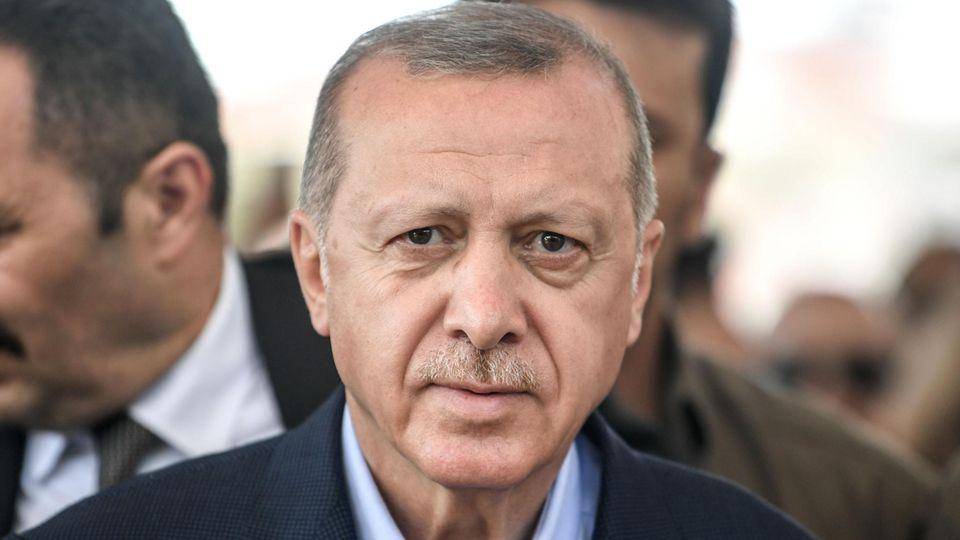 Für Erdogan ist die erneute Niederlage seiner Partei bei der Bürgermeisterwahlen in Istanbulein Schlag ins Gesicht