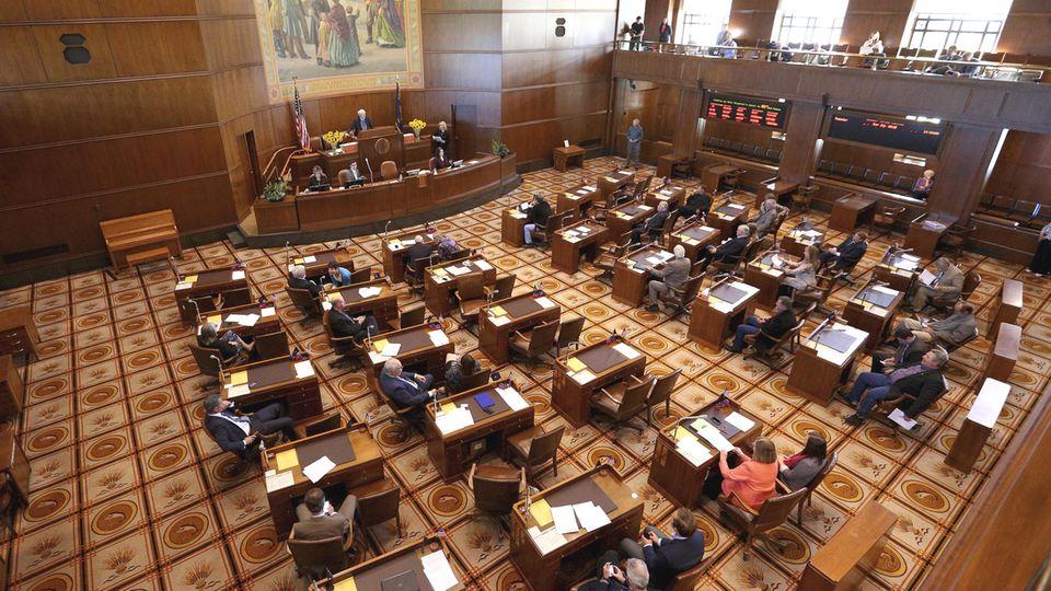 Der Plenarsaal des Senats im Kapitol von Oregon in der Landeshauptstadt Salem
