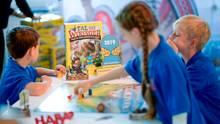 """Kinder spielen """"Tal der WIkinger"""", das """"Kinderspiel des Jahres 2019"""""""