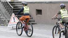 Kinder bei der Radfahrprüfung