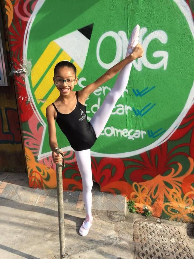 Milena, 9, will Ballerina werden, in den Räumen der Sergibt es auch ein Ballettstudio