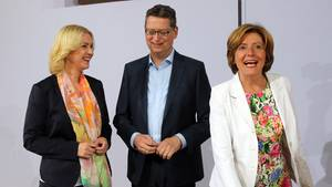 Die kommissarischen Parteivorsitzenden der SPD, Manuela Schwesig (l), Thorsten Schäfer-Gümbel und Malu Dreyer