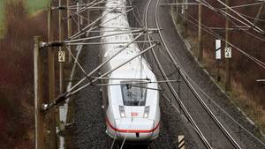 Ein ICE 4 der Deutschen Bahn