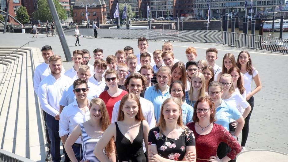 Die Finalisten des Deutschen Gründerpreis für Schüler bei der Preisverleihung in Hamburg
