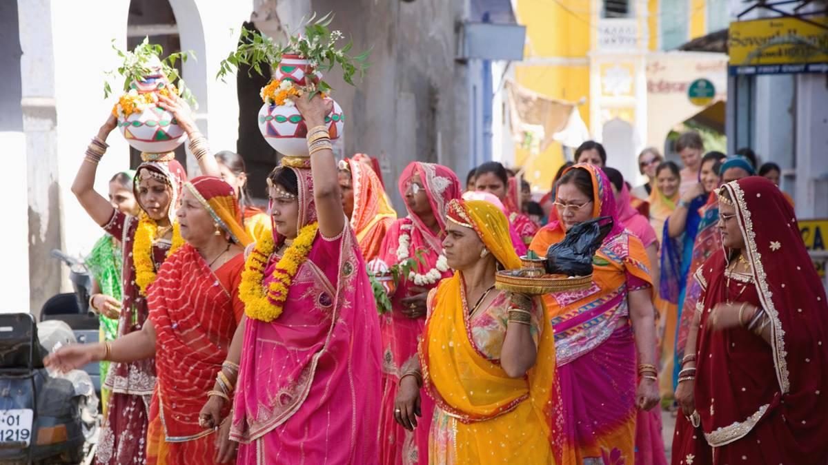 Selbst-ist-die-Braut-Chaos-Hochzeit-in-Indien-Br-utigam-betrunken-Familie-festgehalten