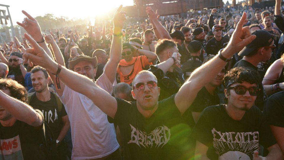 """Metal- und Rockfans beim Hellfest 2019 - auch die """"Onkelz"""" waren dabei"""