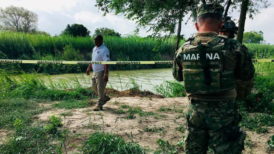 Der Fundort der beiden Leichen wurde von der Polizei abgesperrt.