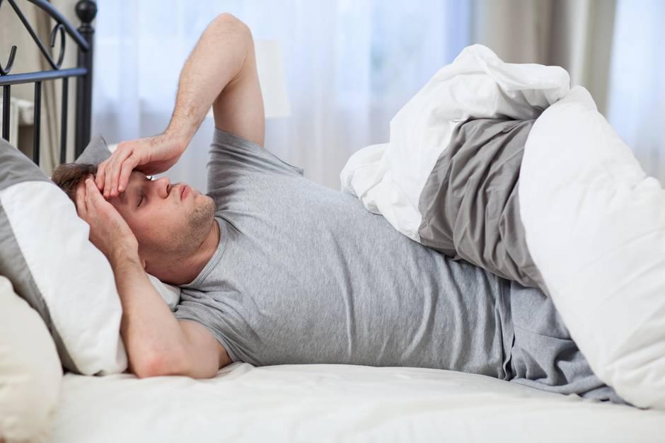 5 schlaf tipps so kommen sie entspannt durch die hei en n chte. Black Bedroom Furniture Sets. Home Design Ideas