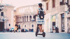 Scooter-Fahren wirkt kinderleicht, solange bis eine Gefahrensituation entsteht.