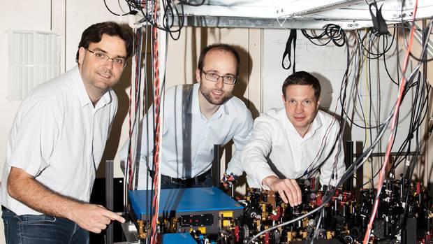 Sie bringen Taktung ins Chaos: Die Gründer von Swabian Instruments Markus Wick,Michael Schlagmüller und Helmut Vedder (v.l.) bauen die genaueste Stoppuhr der Welt