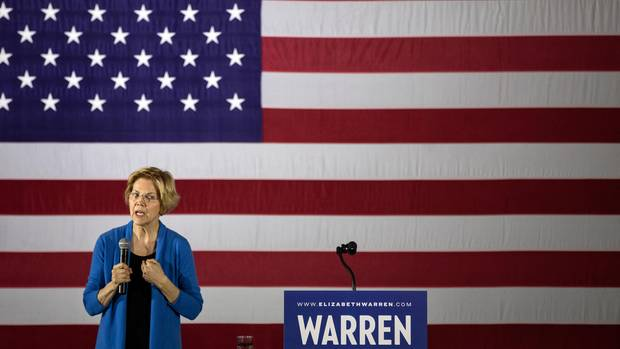 """Elizabeth Warren ist vielleicht die Schlaueste aller Kandidaten – und hat die klarsten Vorstellungen, wie sie das Land umgestalten will. War Juraprofessorin in Harvard. Heute ist die 69-Jährige Senatorin in Massachusetts. Ging erst spät in die Politik: 2012. Offene Frage, ob sie die Härte und Finesse für ganz oben hat. Ließ sich von Trump (""""Pocahontas"""") wegen ihrer angeblichen indianischen Abstammung in die Falle locken.Ihr Ziel: Weniger Macht für große Unternehmen, viel mehr Geld für die Mittelschicht."""