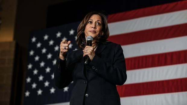 Als farbige Frau verkörpert Kamala Harris die wachsende Vielfalt unter den Demokraten. Die ehemalige Justizministerin von Kalifornien machte sich ab 2016 im Senat einen Namen mit harten Befragungen von Trumps Kabinettskandidaten. Diese Energie hat sich bisher nicht auf ihren Wahlkampf übertragen. Die 54-Jährige scheut sich oft, Position zu beziehen.Ihr Ziel: Steuersenkungen für die Mittelschicht, Immigrations-Reform.
