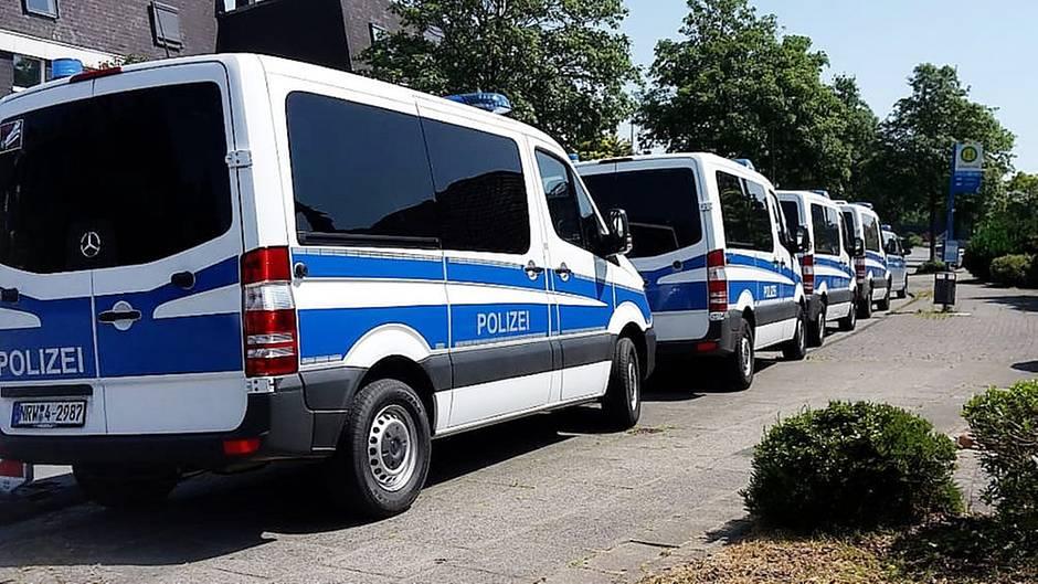 Bei einem 83-jährigen Wuppertaler ist die Polizei im Einsatz