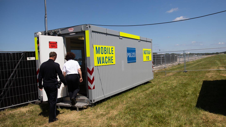 Die mobile Wache der Polizei beim Fusion Festival 2019.