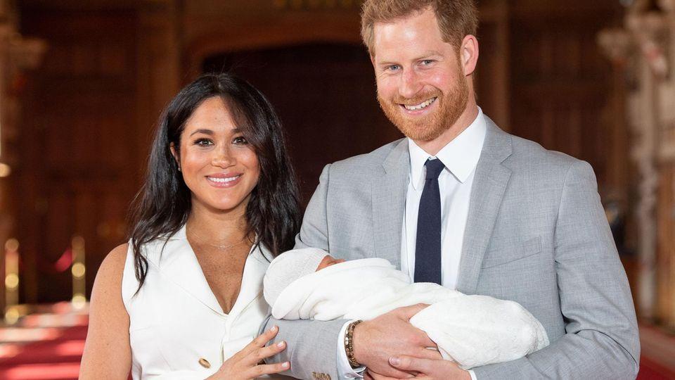 Herzogin Meghan und Prinz Harry bei der Präsentation ihres Sohnes Archie