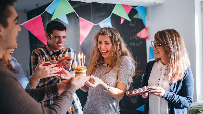 Mit diesen neun Geschenk-Ideen kannst du einen Studenten glücklich machen