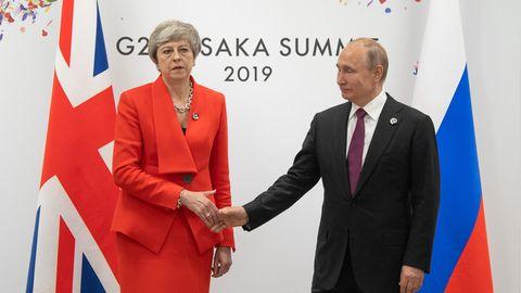 Großbritanniens Premierministerin Theresa May trifft auf Russlands Präsidenten Wladimir Putin
