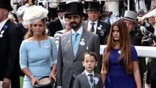 Der Emir von Dubai mit seiner Frau, Prinzessin Haya, und den beiden Kindern 2018 beim Pferderennen in Ascot